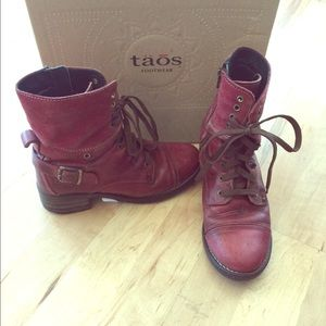 Taos footwear crave lace up boots